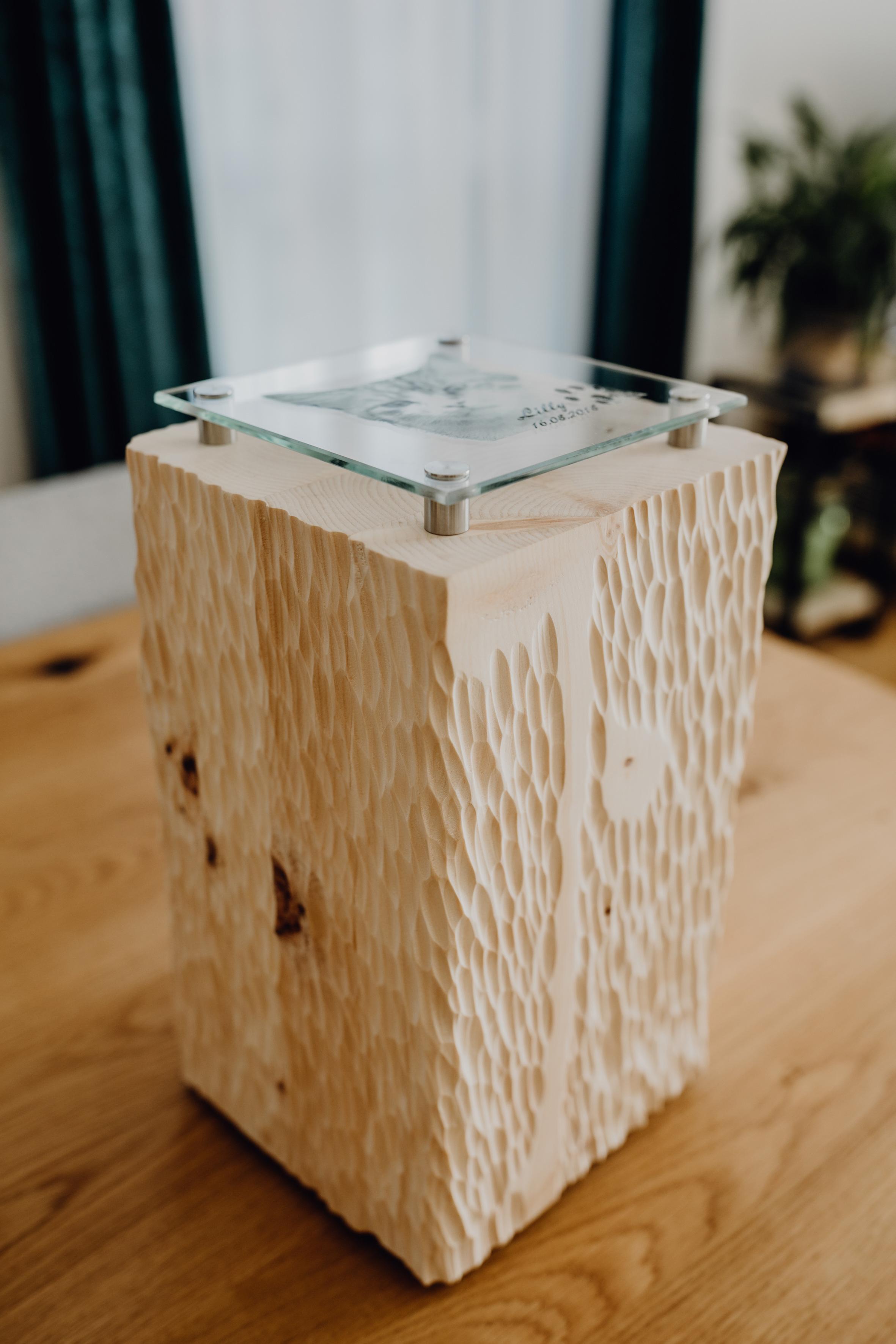 Tierurne Zirbenholz 2